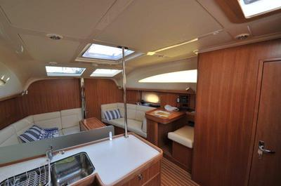 Bright & spacious below deck, 3 cabins, 2 heads, 2 showers