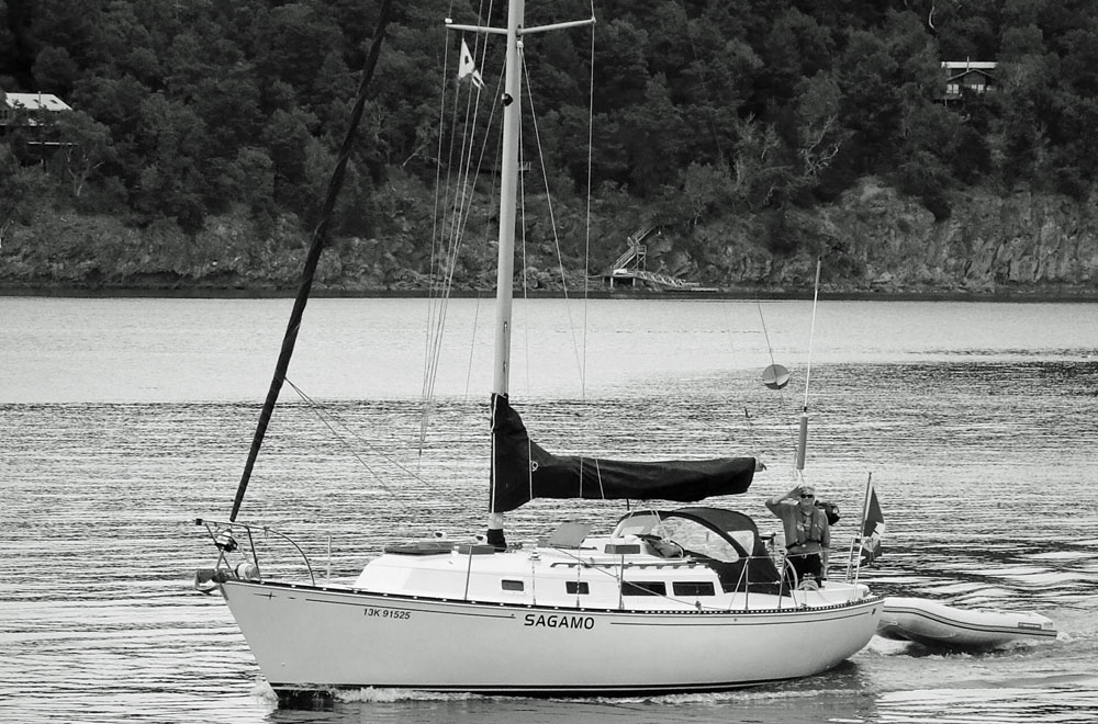 An Ontario 32 cruising sailboat
