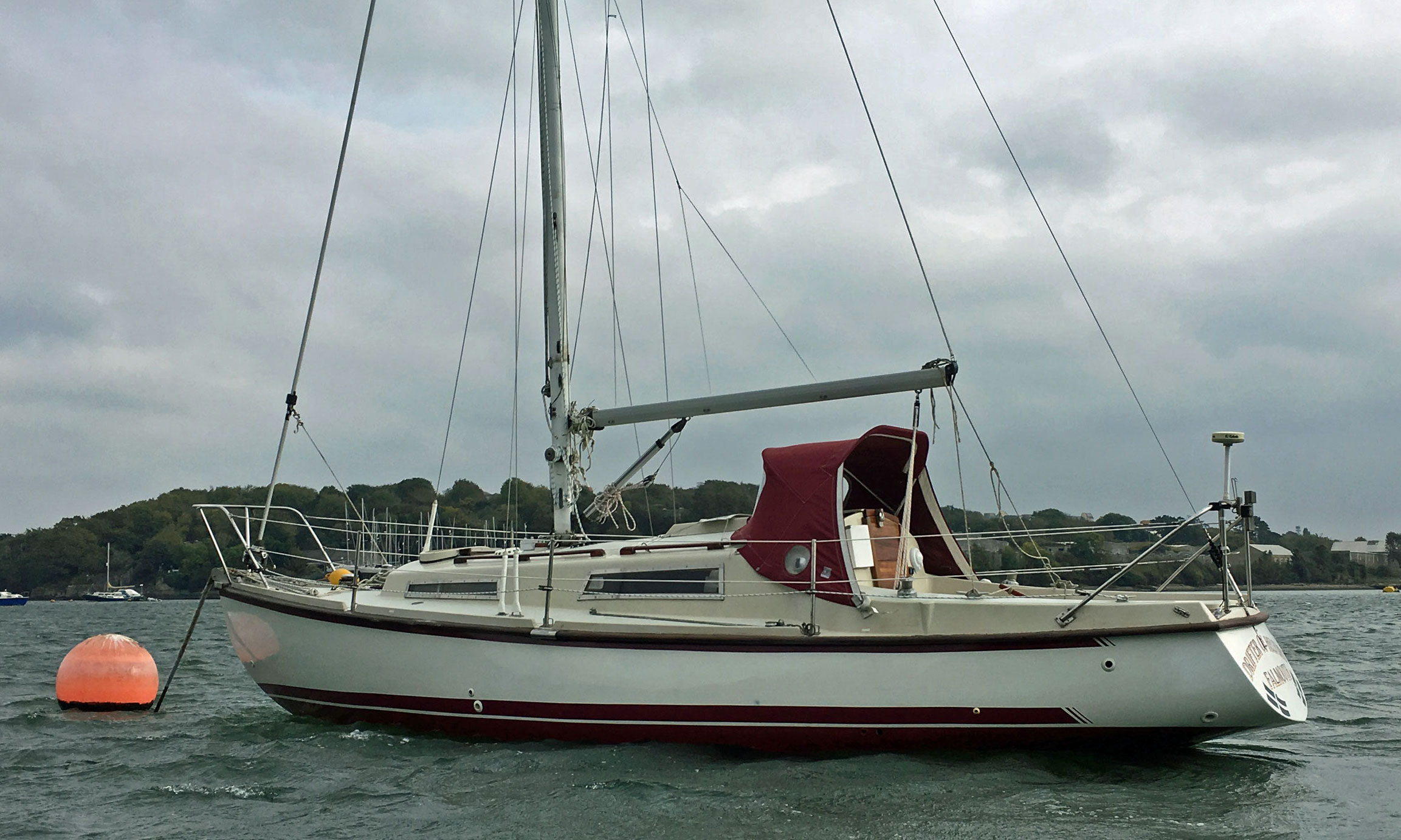 A moored Phillipa 27 sailboat