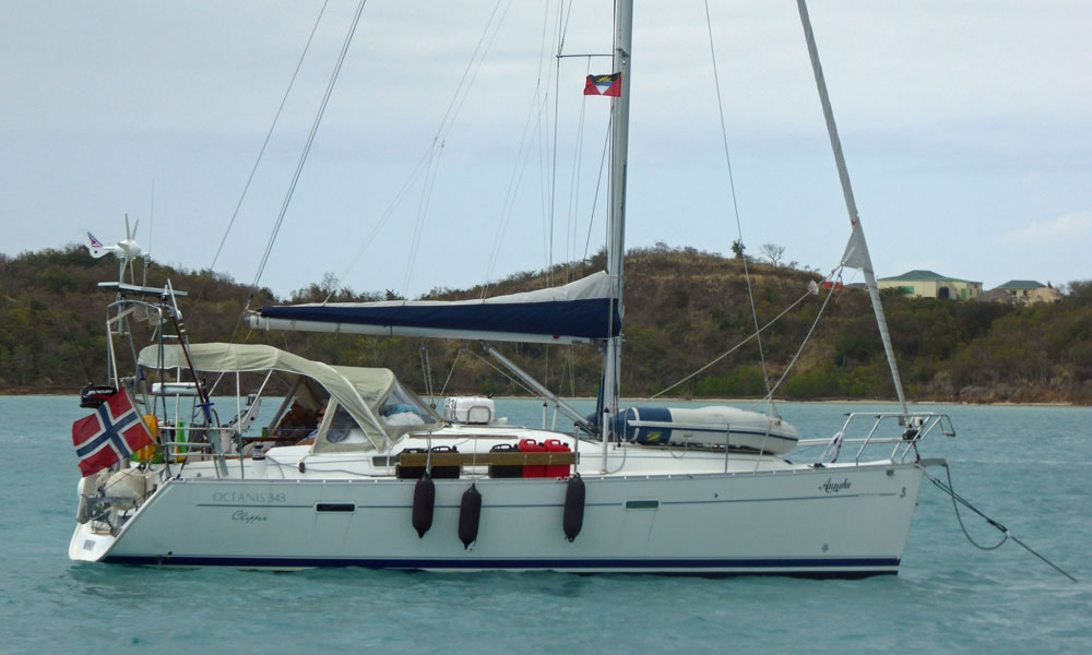 A Beneteau Oceanis Clipper 343 sailboat