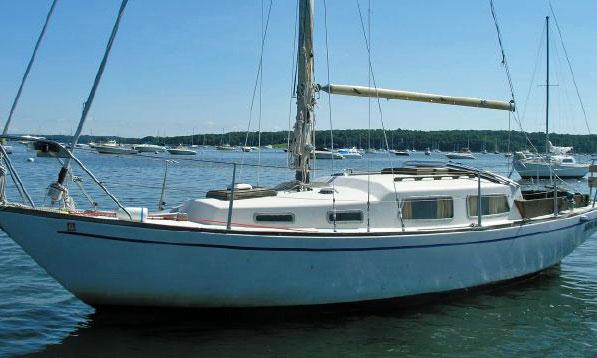Great Dane 28 sailboat at anchor