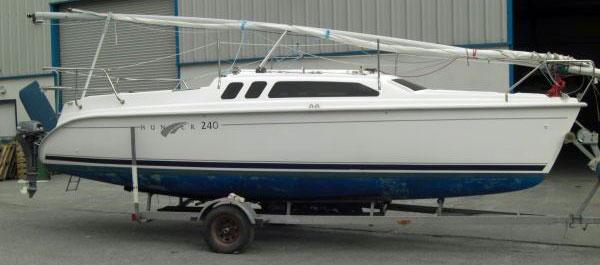 Hunter 240 Trailer-Sailer for sale