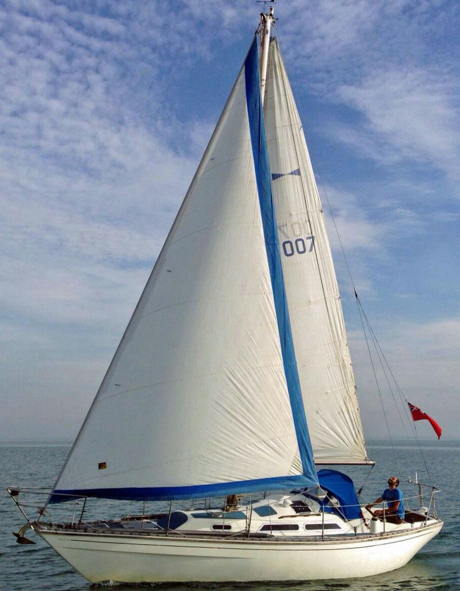 A Varne 27 sailboat