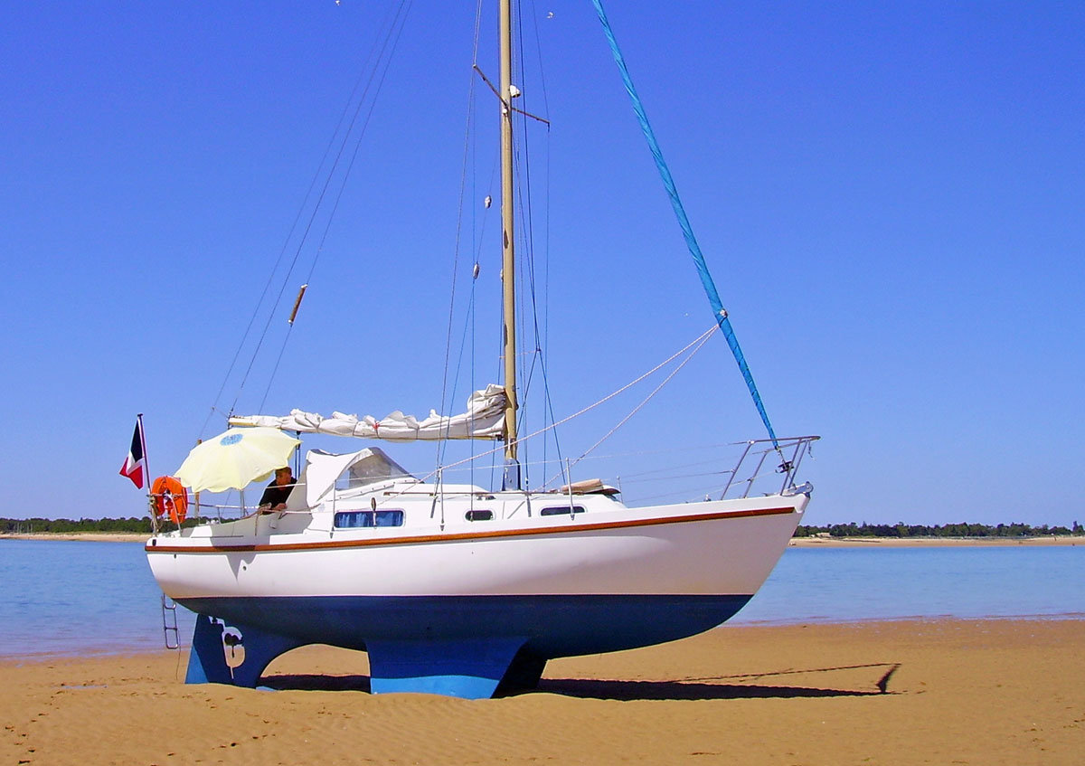 A Westerly 27 bilge-keel sailboat