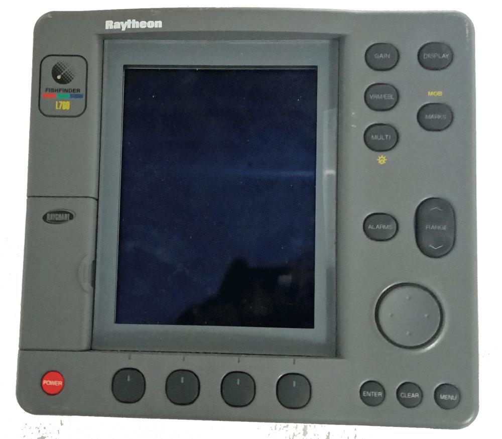 Raytheon L760 Chart Plotter