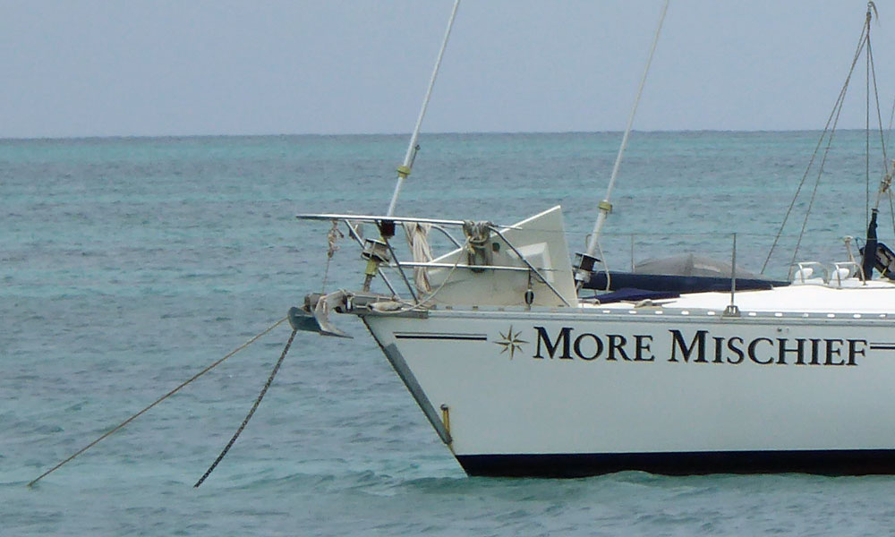 A long anchor snubber on this monohull.