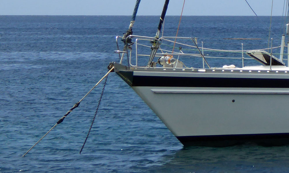 A well thought-out anchor snubber on this monohull.