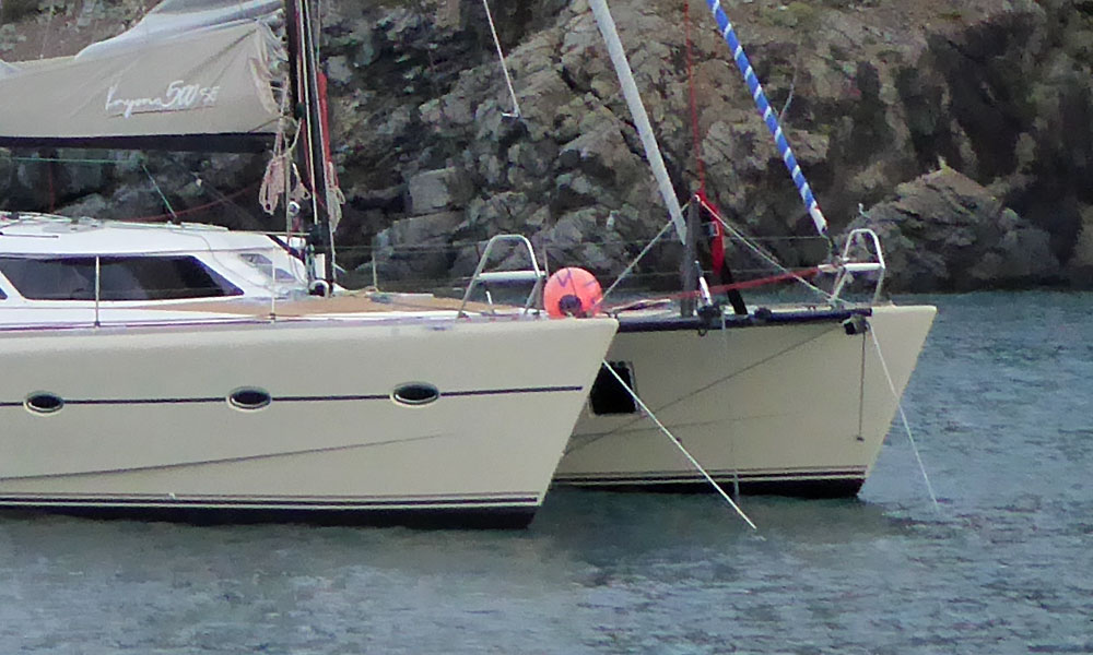 Catamarans generally use a doubled-up anchor snubber on a bridle.