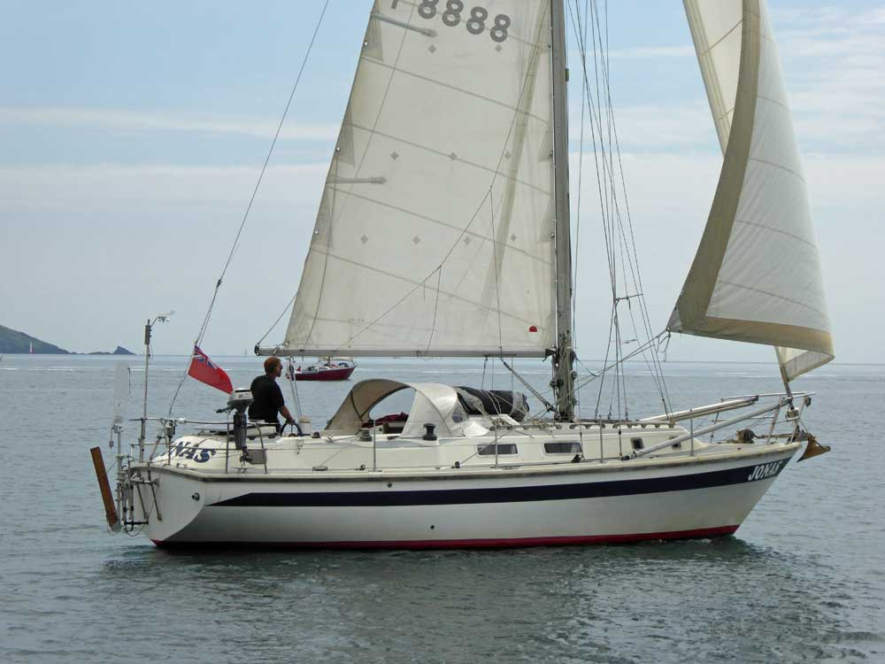 A Westerly 33 cruising sailboat in Plymouth Sound