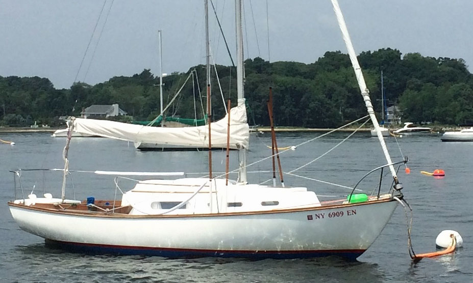 Cape Dory 25 on her mooring