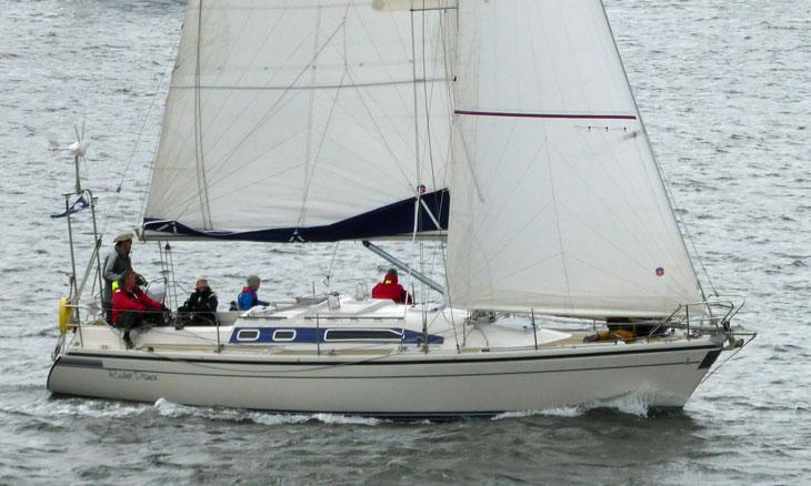 Dehler 36 cruiser/racer sailboat
