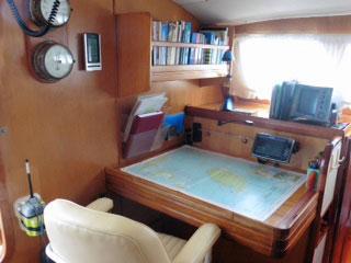 Navigation station on a catamaran