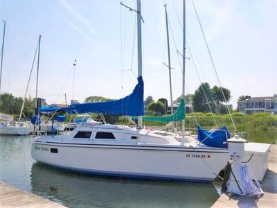 Cruising sailboat 27 ft