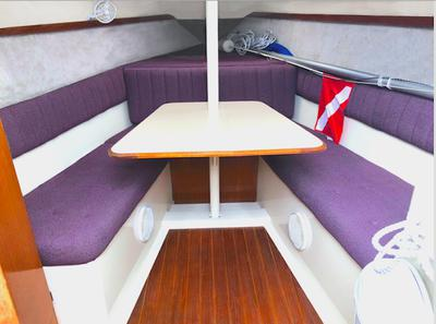 Saloon with convertible v-berth for sleeping