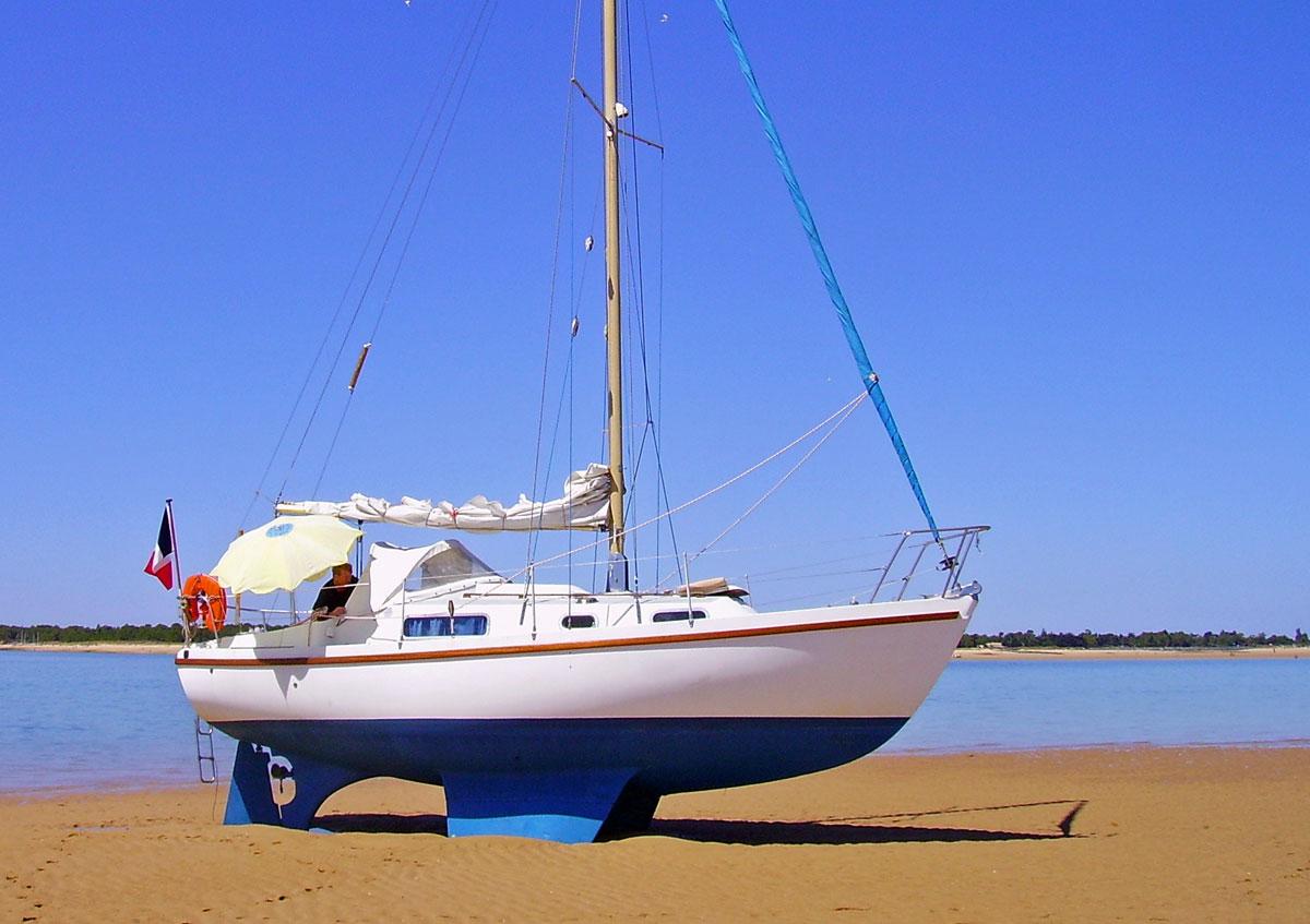 A Macwester 27 bilge keel sailboat